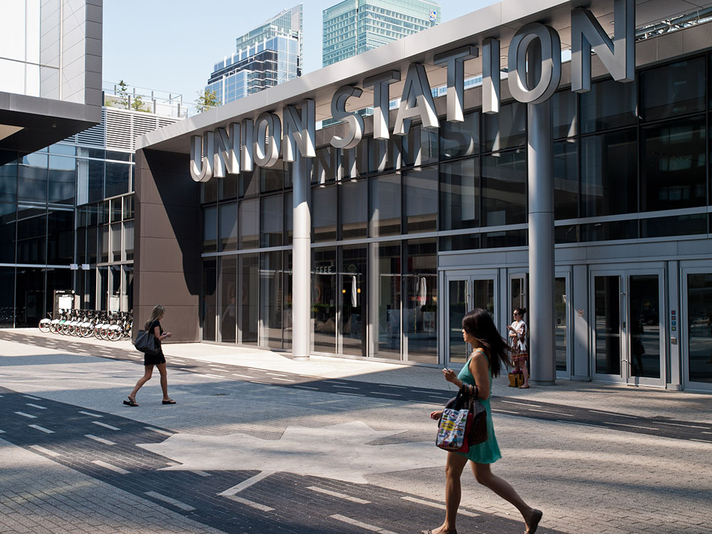 Direct connection to the extensive 29-km PATH network and Union station with access to TTC, VIA Rail, GO Transit, and the Union-Pearson Express