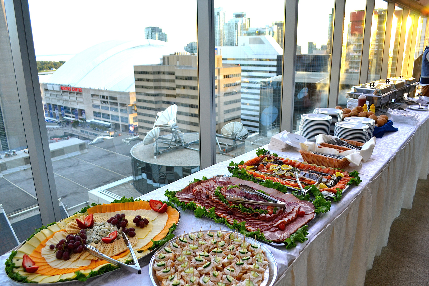Catering Gourmet Buffet Delivery Private Parties Mississauga  # Buffet Blanc Style New York